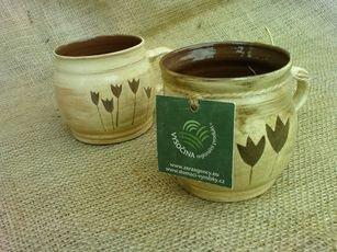 Keramické výrobky, výrobky z ovčí vlny, voskové svíce, výtvarná díla